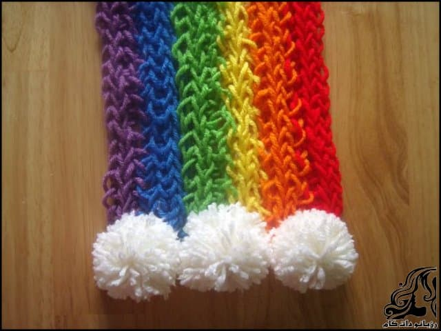 http://up.rozbano.com/view/3044052/Finger%20Knitted%20Rainbow%20Scarf.jpg