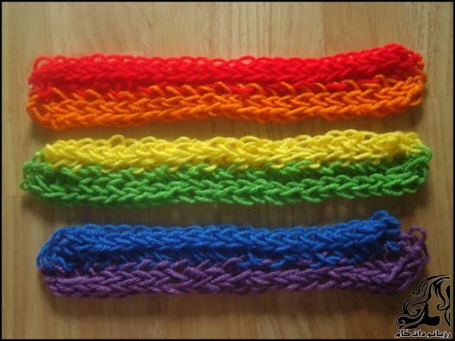 http://up.rozbano.com/view/3044072/Finger%20Knitted%20Rainbow%20Scarf-17.jpg
