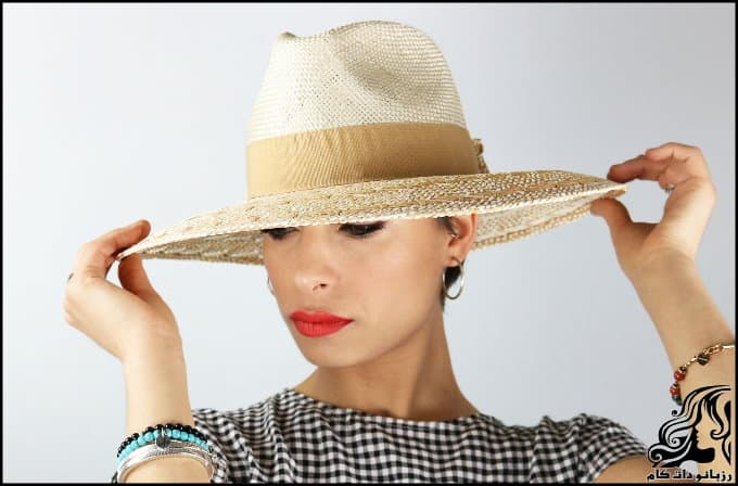 http://up.rozbano.com/view/3064451/Women%20summer%20hat%20models-05.jpg