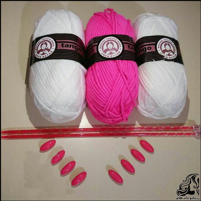 http://up.rozbano.com/view/3067223/Heart%20knitting%20footwear-01.jpg