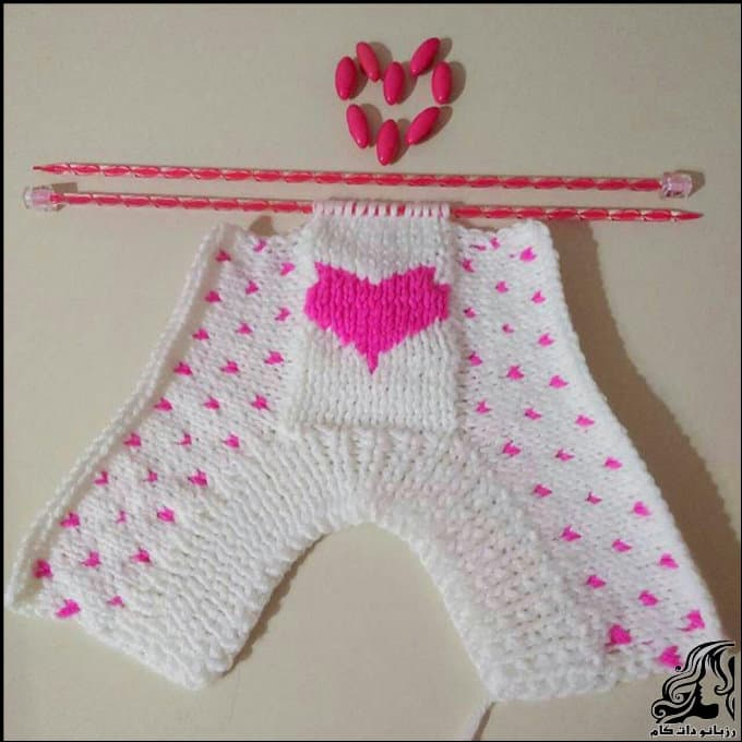 http://up.rozbano.com/view/3067228/Heart%20knitting%20footwear-06.jpg