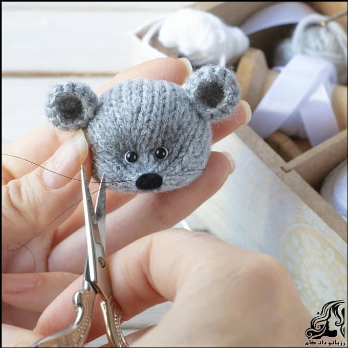 http://up.rozbano.com/view/3073549/Little%20Mouse%20doll%20crocheted-05.jpg