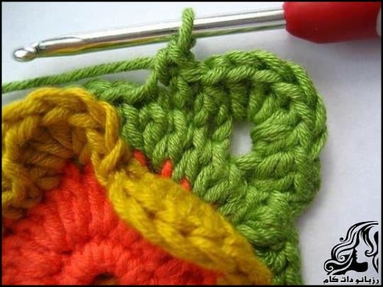 http://up.rozbano.com/view/3105783/Crochet%20Blooming%20Flower%20Cushion-14.jpg