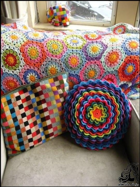 http://up.rozbano.com/view/3105795/Crochet%20Blooming%20Flower%20Cushion-26.jpg