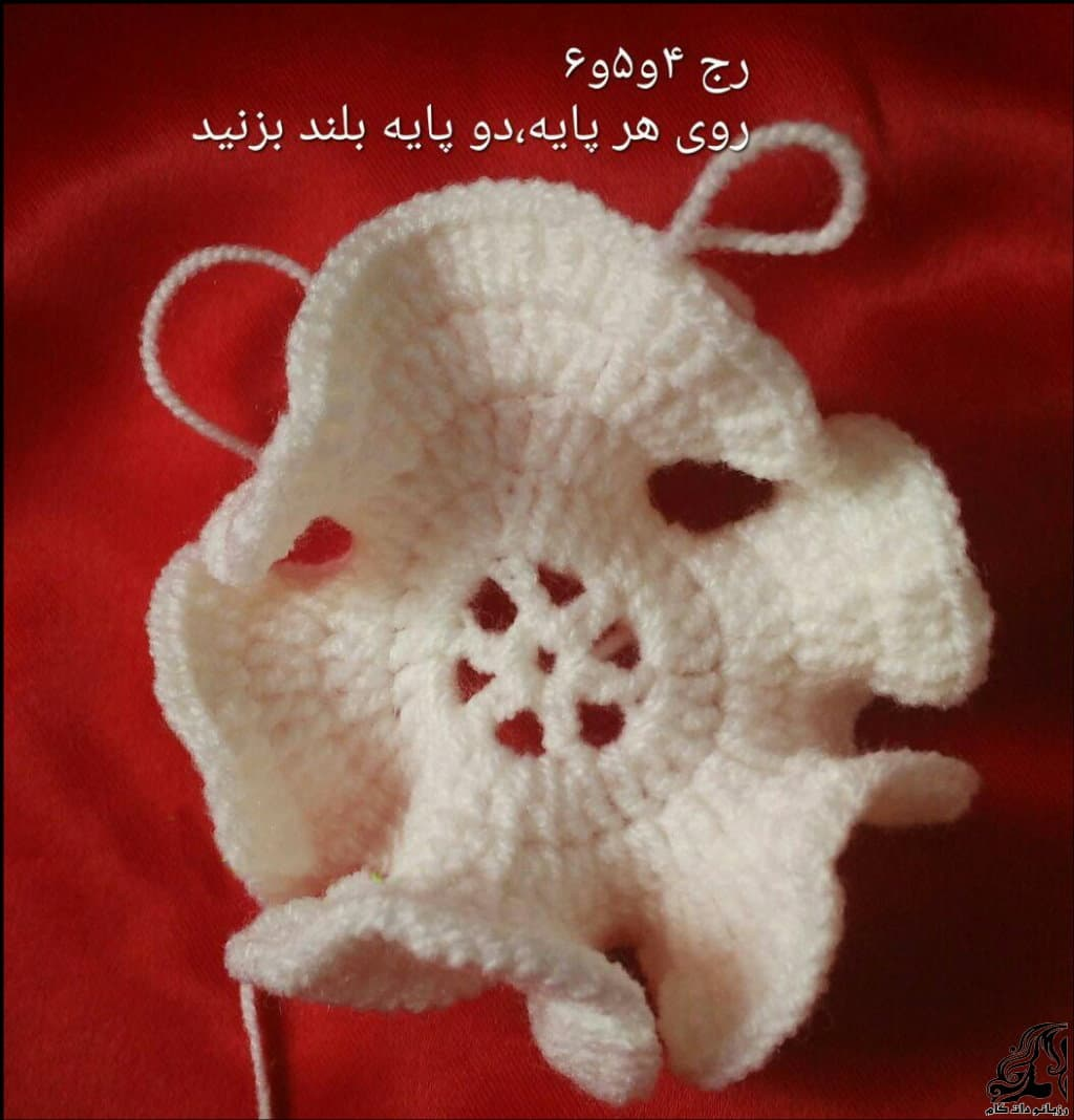 http://up.rozbano.com/view/3122723/Beautiful%20crochet%20flower-03.jpg