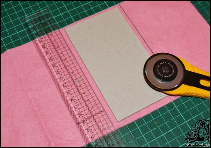 http://up.rozbano.com/view/3135691/Making%20a%20felt%20paper%20napkin%20holder-05.jpg