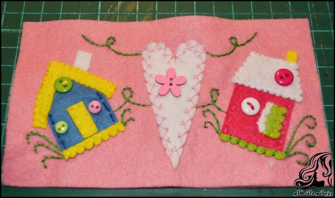 http://up.rozbano.com/view/3135696/Making%20a%20felt%20paper%20napkin%20holder-10.jpg