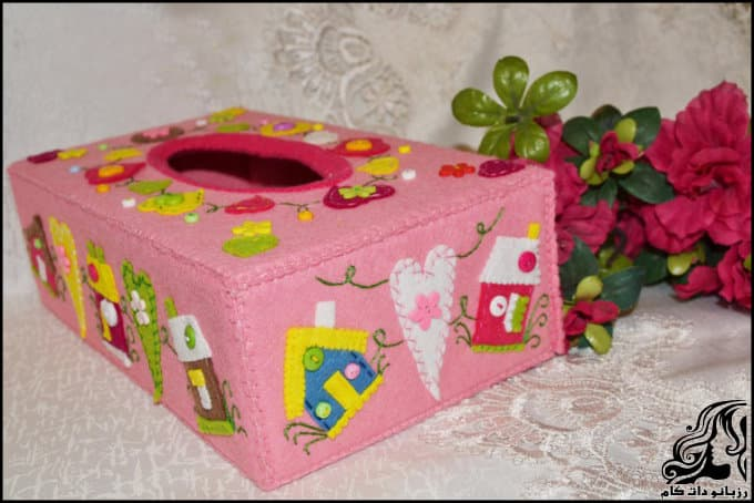 http://up.rozbano.com/view/3135703/Making%20a%20felt%20paper%20napkin%20holder-17.jpg