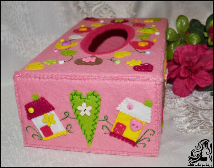 http://up.rozbano.com/view/3135706/Making%20a%20felt%20paper%20napkin%20holder-20.jpg