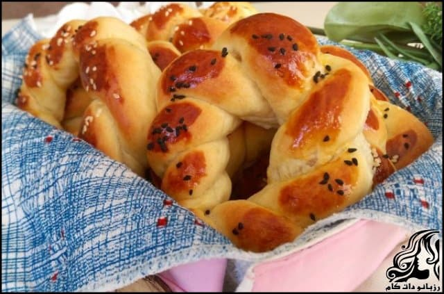http://up.rozbano.com/view/3143510/Achma%20bread%20became%20Turkish.jpg