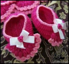 بافتنی و آموزش بافت پاپوش نوزاد برای ست نوزادی