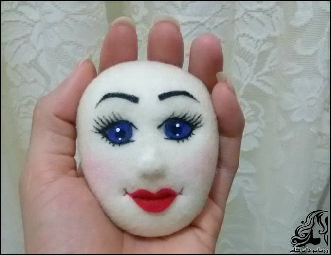 http://up.rozbano.com/view/3228091/Sewing%20face%20components%20for%20felt%20dolls-16.jpg