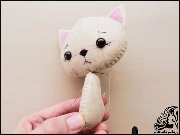 https://up.rozbano.com/view/3247455/Making%20a%20cat%20felt%20doll-08.jpg