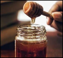 علت شکرک زدن عسل چیست، آیا میتواند نشانه تقلبی بودن عسل باشد؟