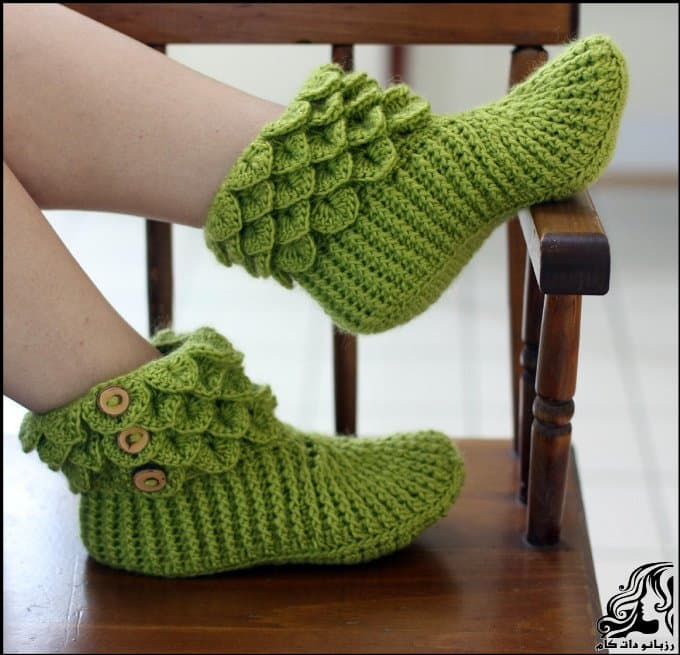 https://up.rozbano.com/view/3251064/Beautiful%20DIY%20Crocodile%20Stitch%20Booties-01.jpg