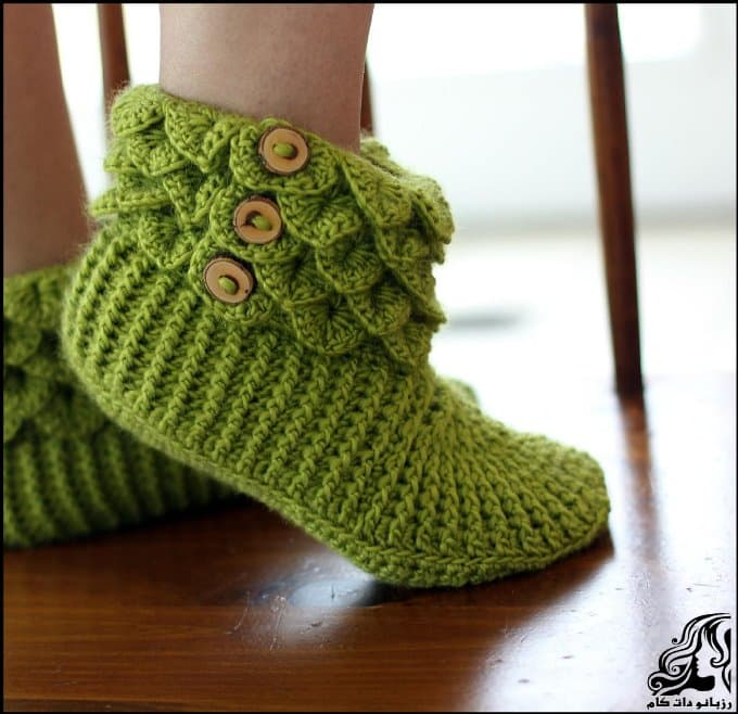 https://up.rozbano.com/view/3251067/Beautiful%20DIY%20Crocodile%20Stitch%20Booties-05.jpg