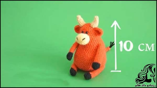https://up.rozbano.com/view/3309503/Knitted%20cowboy%20cow%20doll-01.jpg
