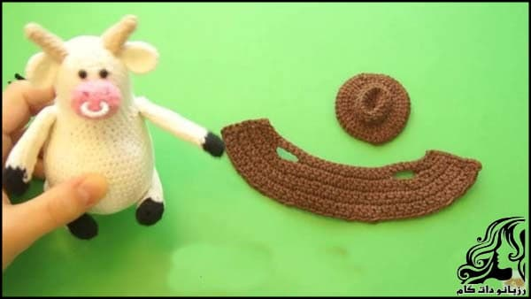 https://up.rozbano.com/view/3309522/Knitted%20cowboy%20cow%20doll-19.jpg