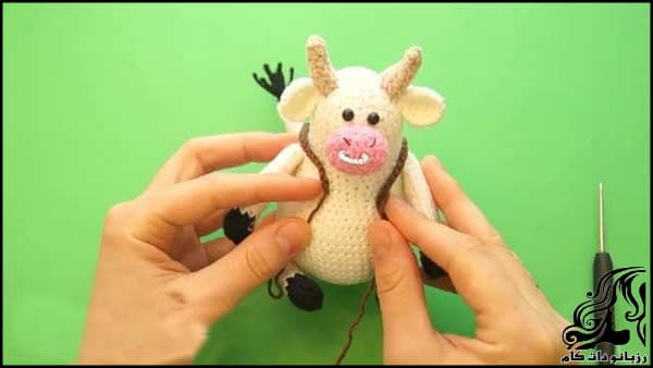 https://up.rozbano.com/view/3309526/Knitted%20cowboy%20cow%20doll-23.jpg