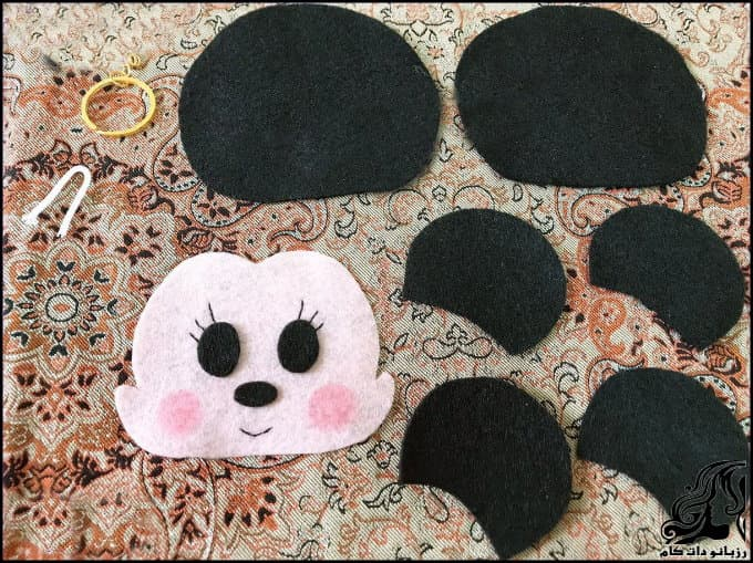 https://up.rozbano.com/view/3329400/Sewing%20Mickey%20Mouse%20felt%20bag-02.jpg