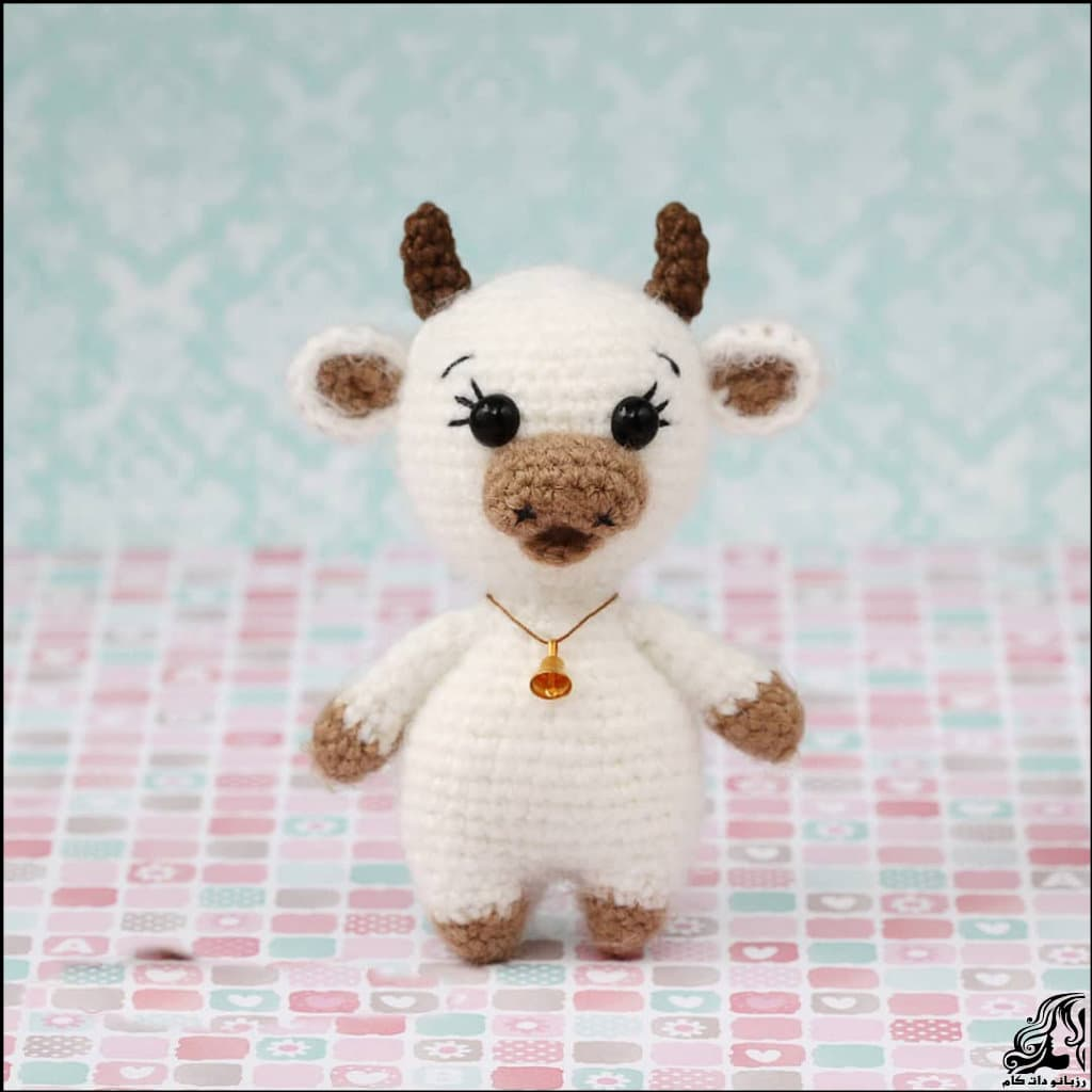https://up.rozbano.com/view/3334734/Knitted%20little%20cow%20doll.jpg