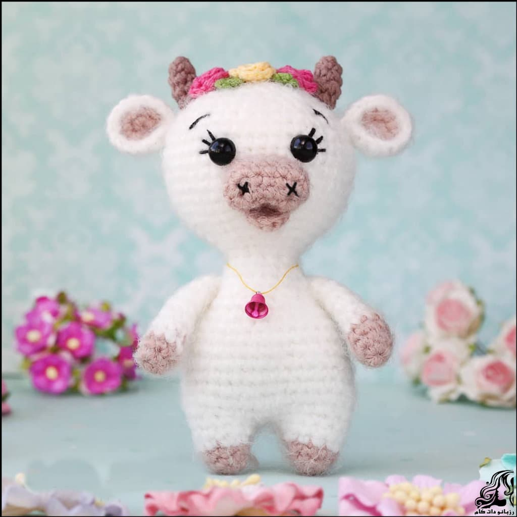 https://up.rozbano.com/view/3334735/Knitted%20little%20cow%20doll-01.jpg