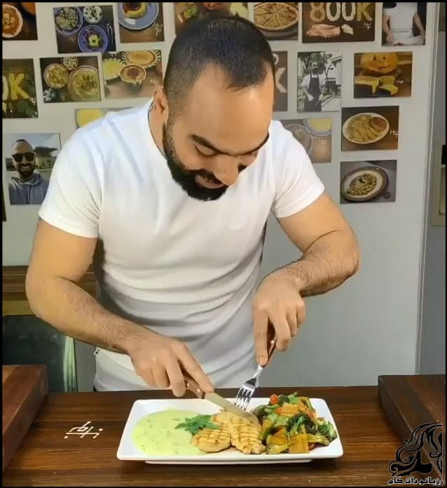https://up.rozbano.com/view/3361394/Chicken%20and%20vegetable%20plates.jpg