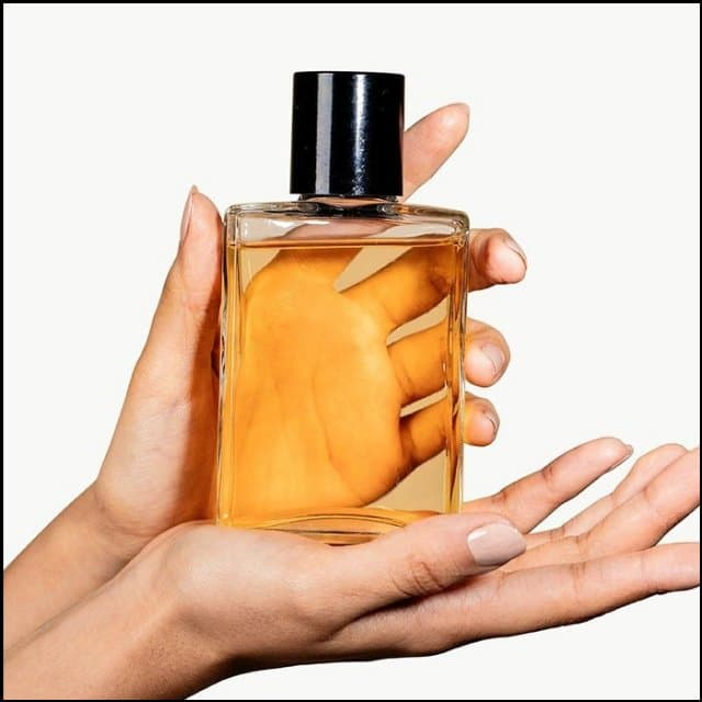 https://up.rozbano.com/view/3381722/Experience%20buying%20a%20durable%20perfume.jpg