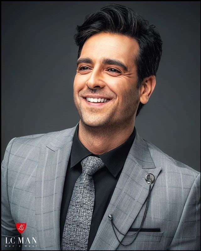 https://up.rozbano.com/view/3383410/Who%20are%20the%20most%20beautiful%20Iranian%20male%20actors-01.jpg